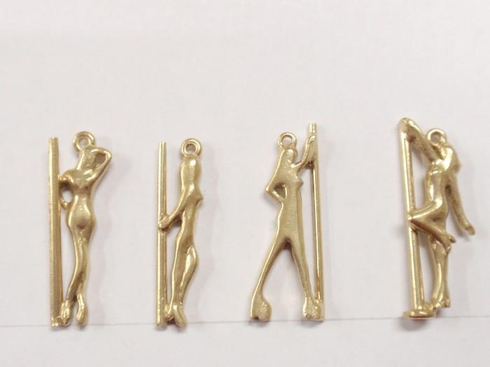 ペンダントトップにもなる真鍮の人型アクセサリーチャームを製作