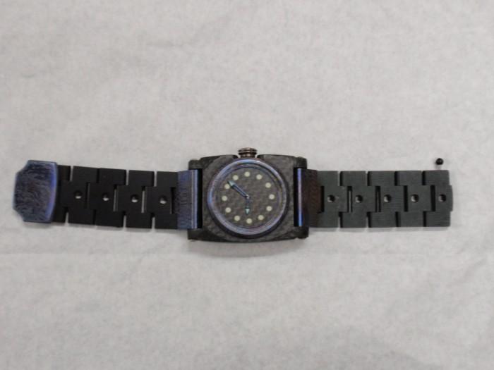 オリジナル腕時計の留め金具修理後の完成品