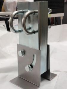 形と寸法が不明だった可動式金具の製作