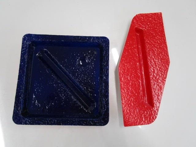 2種類の紙への塗装 | ムラなく塗るのは難しい