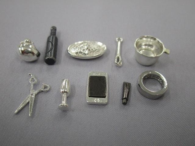 金属パーツ例1