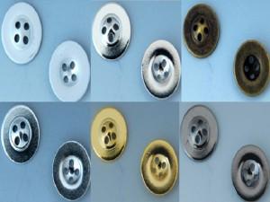 シンプルな金属ボタン