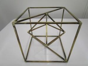 特殊な形状のモニュメント、制作事例画像③