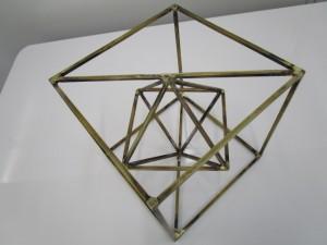 特殊な形状のモニュメント、制作事例画像②
